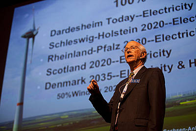 Paul Gipe giving a presentation during the opening of Husum WindEnergy's 2012 exhibition.