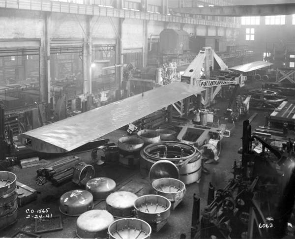 Rotor for the Smith-Putnam wind turbine being assembled at the Budd plant near Philadelphia sometime in the early 1940s.
